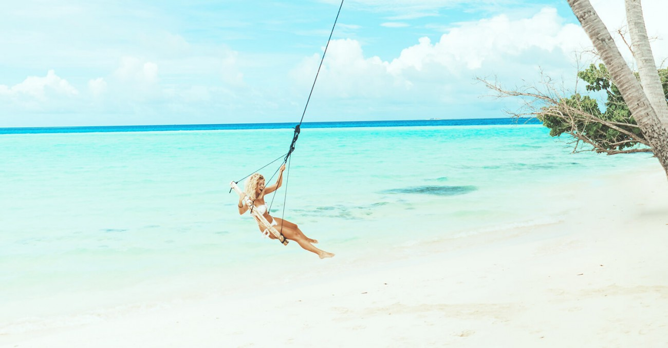Thulusdhoo Island  Living   A Surfer's Paradise